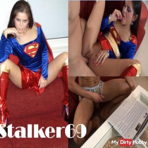 STALKER69 entjungfert von Supergirl Sofie