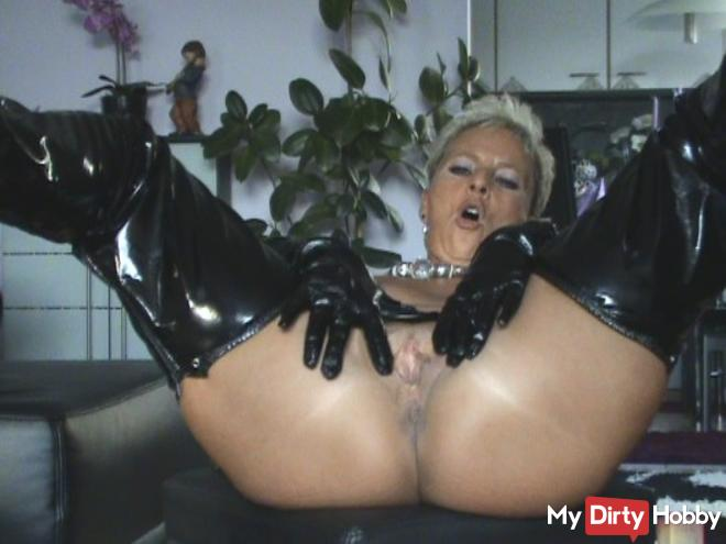 Slave! Lick me and WixXxeR with ...