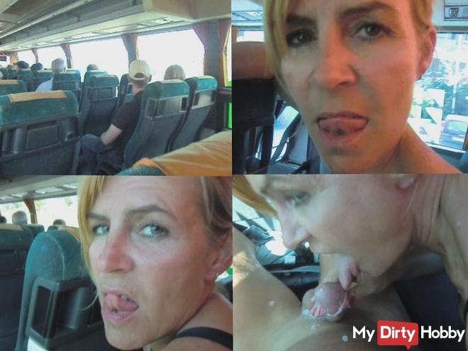 Mitten im Reisebus entsaftet