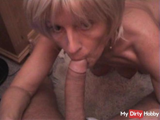 blonde bitch blowing ..!
