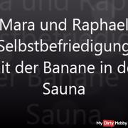 Selbstbefrie***ng mit Banane in Sauna