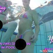 Kira und Roxy mit den zwei Spannern im Pool