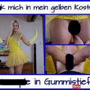 Gummistiefel cream**e im Gelben Kostüm