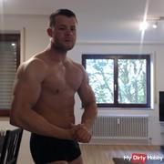 Bodybuilding Flexing and Posing 2