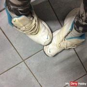 Sweaty feet !!