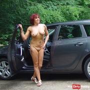 Nackt Autofahren