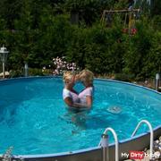 manuela3, der pool und ich
