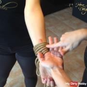 Bondage-video-workshop 1.1 • one-hand bondage
