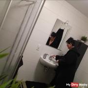 Im Badezimmer gefilmt worden