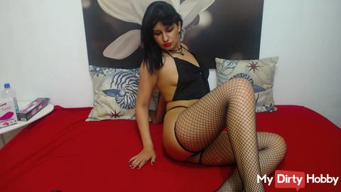 Am LIVE again from my CAM visit me and let us have FUN