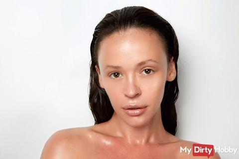 So auf wunsch einmal ohne make up.Ich glaube Besser mit Oder?