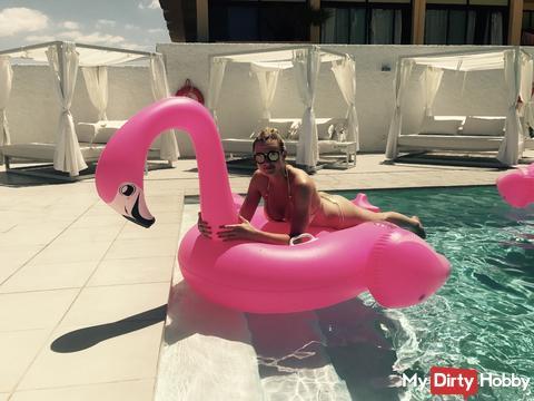 Entspannt am Pool ;)
