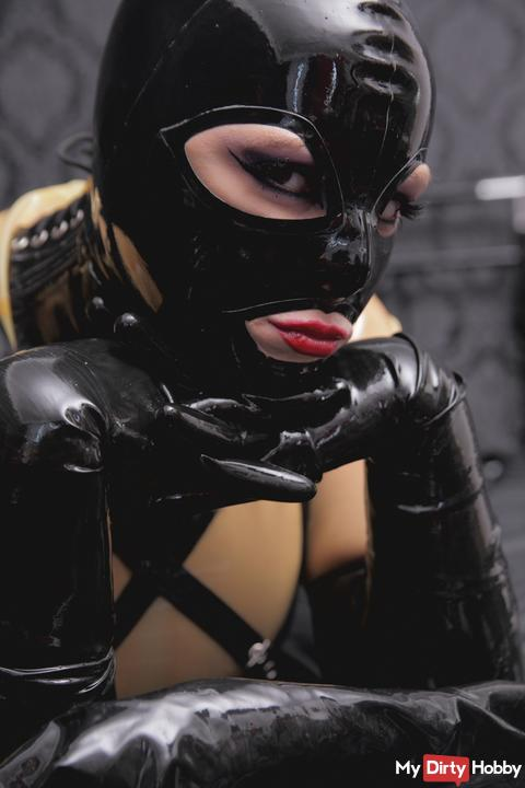 Heavy rubber cam in Transpernetem Latex