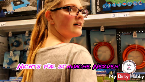 Masturbation at the hardware store - Public pampers own pussy!
