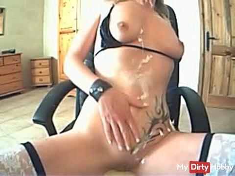 Im Livecam-Chat mit Bodylotion gespielt