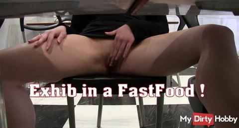 Je retire ma culotte dans un fastfood