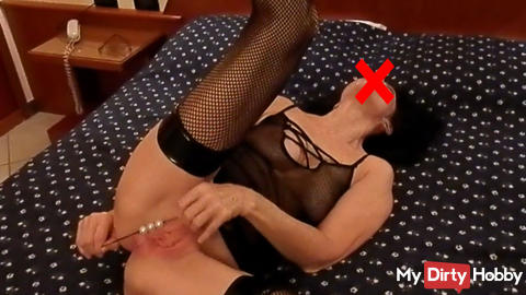 A pussy full of pearls - something for horny clit!