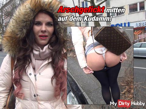 Arschgefickt middle of the Kurfürstendamm!