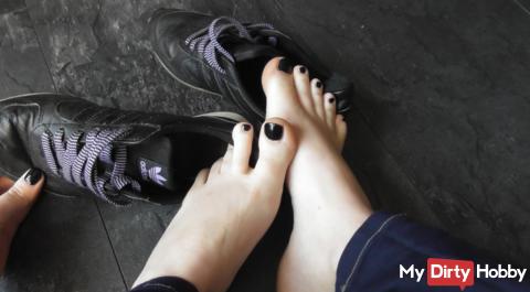 Smelly feet & Sneaker