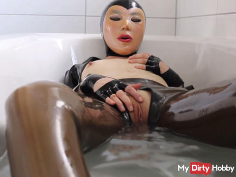 A session with pampering bathing