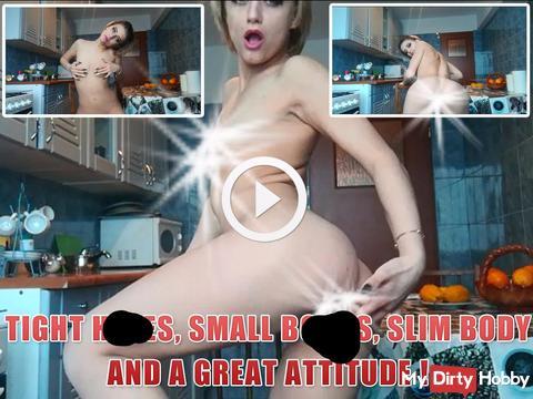 Enge lö**er, kleine Brüste, schlanker Körper und eine tolle Haltung!