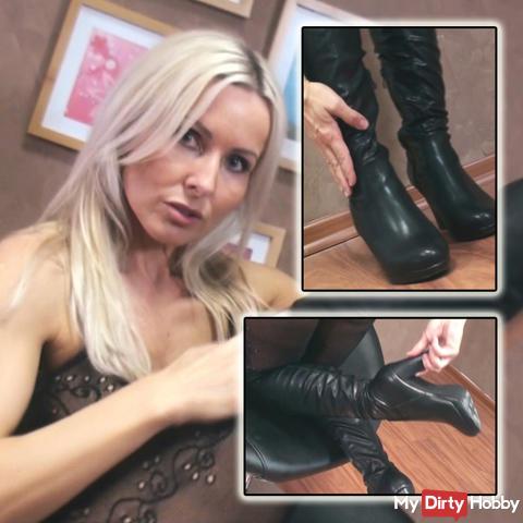 Elegant leather boots!