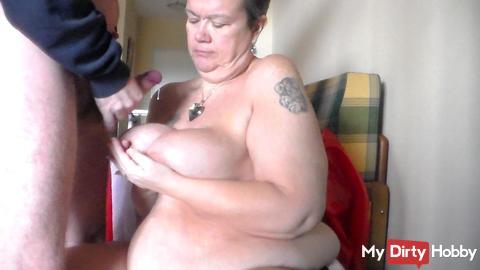 Cumshot on her Tits