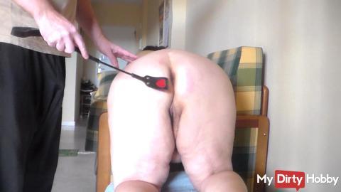 Hard hand on her nice ass