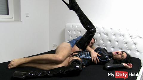 Latex junkie Hooked to fuck reserved