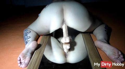 Saugdildo Close up rear