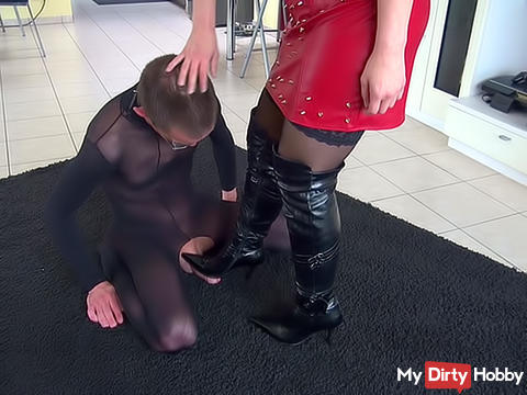 Slave greeting with tribute handover ...