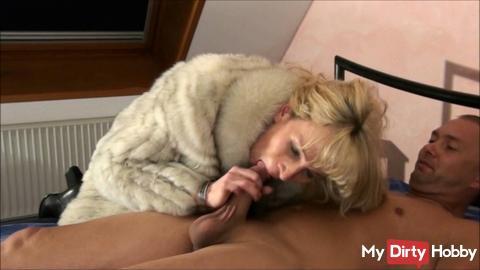 Milf in fur