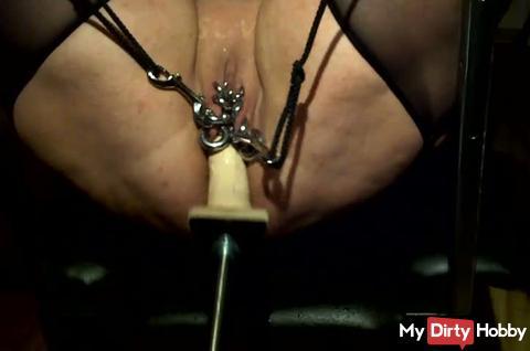 fuck machine squirt orgasm