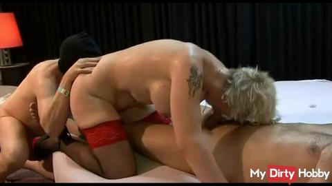 leak my pussy hole and I suck the cock