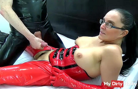 young slave spunks over my cunt then eats it